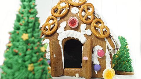 Rezept und Anleitung für ein weihnachtliches Lebkuchenhaus